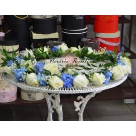 Cristelnita cu trandafiri si hortensii