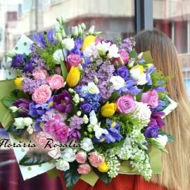 Buchet impresionant cu flori de primavara