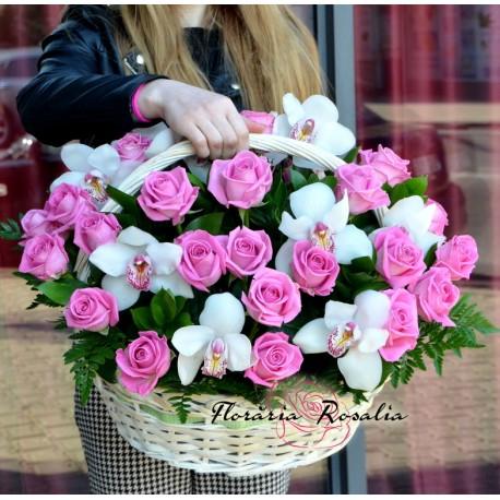 Cos trandafiri si orhidee