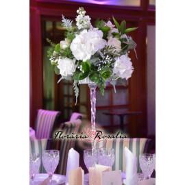 Aranjament cu hortensii albe