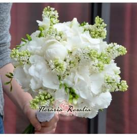 Buchet hortensii si liliac