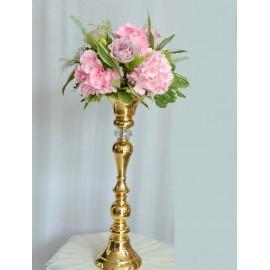 Aranjameny cu hortensii roz si trandafiri