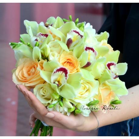 Buchet cu orhidee verzi