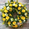 Coroana rotunda cu trandafiri galbeni
