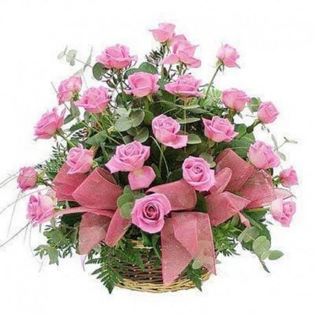 Cos trandafiri roz