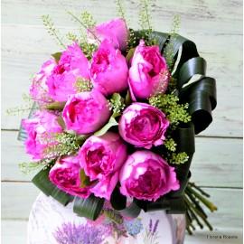 Buchet 11 trandafiri Yves Piaget