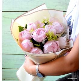 Buchet 9 trandafiri parfumati roz