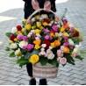 Cos impresionant cu flori multicolore