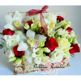 Carte cu flori alb-rosii