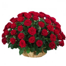 Cos 101 trandafiri rosii