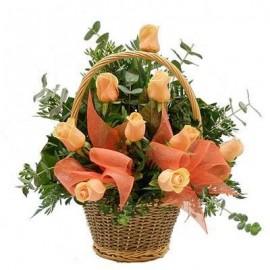 Cos 9 trandafiri portocalii