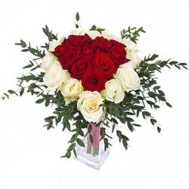 Buchet inima cu trandafiri