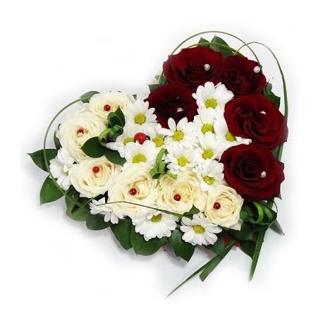 Inima cu trandafiri in doua culori